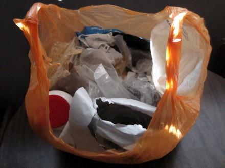 2011-plastic-waste-01