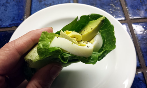 Lettuce-Wrap-Avocado-Egg-20151026_010836-featured