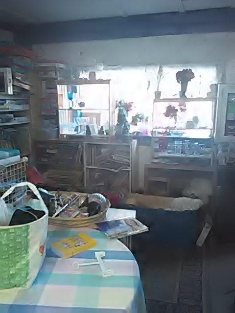 swap-shop-inside-05