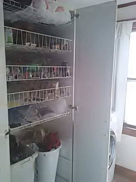 recycling-laundry-cabinet