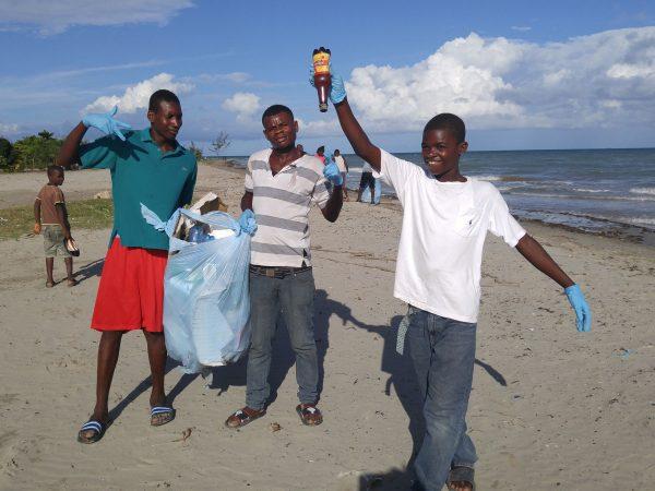 beach cleanup Les Cayes Haiti