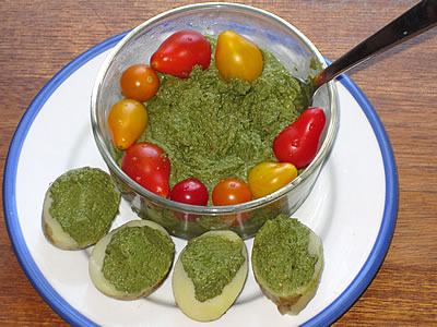 vegan pesto with potatoes