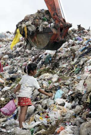 the ewaste in thailand information technology essay In thailand the roles in municipal solid waste (msw) management and industrial waste management are organized by the royal thai government, which is then divided into central government, regional government, and local government.